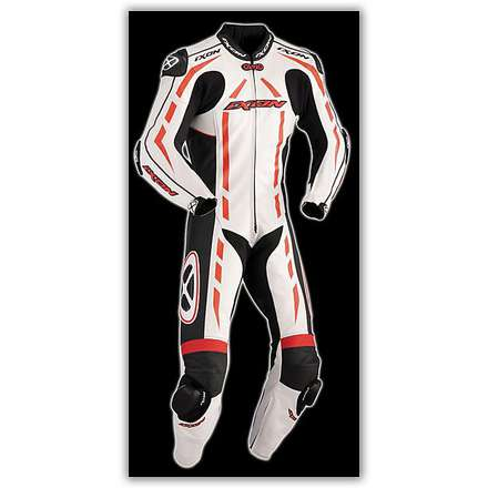 Pulsar Air  Professional Red / White / BlackSuit Ixon