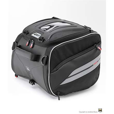 Saddle bag / tunnel scooter Givi