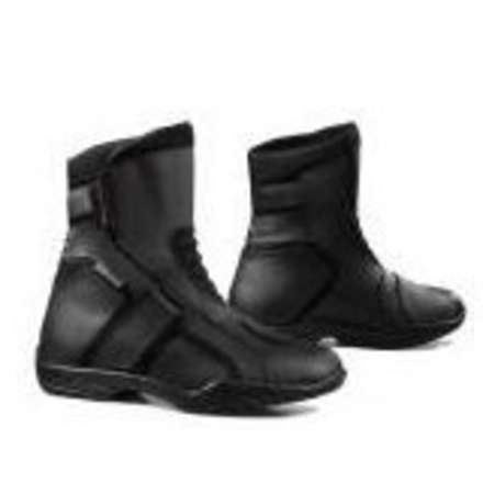 Trace Boots Forma